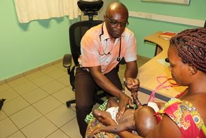 child contacts being screen for TB symptoms